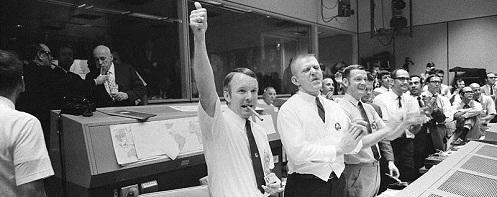 Mission Control celebrates successful splashdown of Apollo 13