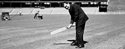 Nixon at the MCG in 1956